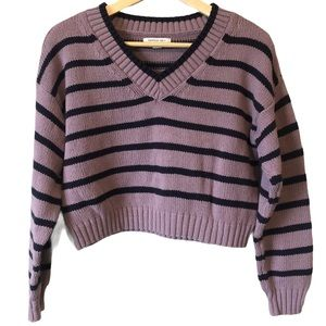 AMERICAN EAGLE | Cropped striped v neck sweater